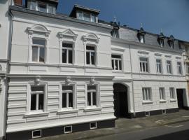 Arkadenschlösschen Bonn, self catering accommodation in Bonn
