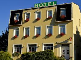 Hotel Florian, hotel in Slavkov u Brna
