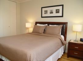 Midtown West Suites at 48th Street and Times Square, hotel with pools in New York