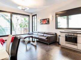 Very High Standard in The Best Location by Sea N' Rent, apartment in Tel Aviv