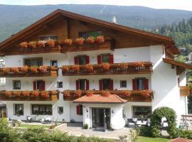 Hotel Garni Walter, hotel in Ortisei