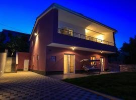 Apartments Marita, luxury hotel in Premantura