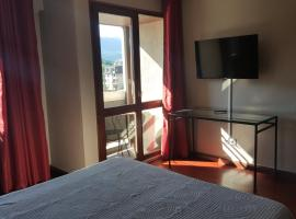 Hotel De La Gare, отель в Экс-ле-Бен