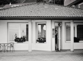 Apartments Life & Energy, hotel u blizini znamenitosti 'Terme Čatež' u Čatežu ob Savi