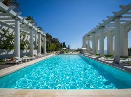 Luxury Apartment Palais Maeterlinck, luxury hotel in Nice