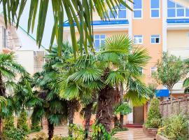 Mini hotel Delphin, bed & breakfast ad Adler