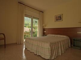 Fonda Finet, hotel a Sant Feliu de Pallerols