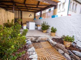 The Pallet - Guest House, hotel near Cristiano Ronaldo Madeira International Airport - FNC,