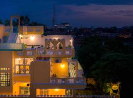 The Coral Court Homestay, hotel near Taj Mahal, Agra