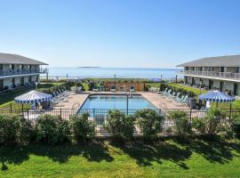 Friendship Oceanfront Suites, hotel near Old Orchard Beach, Old Orchard Beach