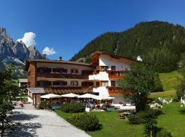 Garni Raetia, hotel a Corvara in Badia