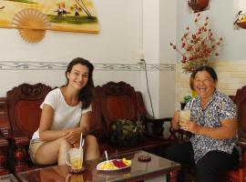 Thanh Ha Guesthouse, homestay in Can Tho