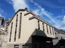 Hotel Guineu, hotel in Pas de la Casa