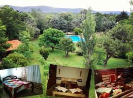 Hotel y Cabañas Green Park, hotel en Nono