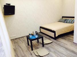 Apartment on Checherskiy, hotel near Buninskaya Alleya Metro Station, Yazovo