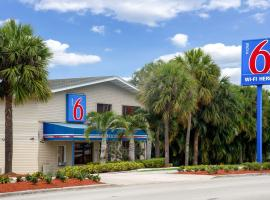 Motel 6-Fort Lauderdale, FL, hotel cerca de Aeropuerto internacional de Fort Lauderdale Hollywood - FLL, Fort Lauderdale