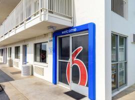 Motel 6-Redding, CA - Central, hotel in Redding