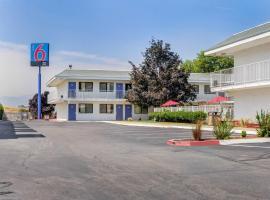 Motel 6-Medford, OR, hotel in Medford