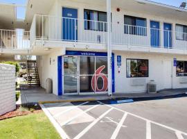 Motel 6-Bakersfield, CA - South, hotel v destinaci Bakersfield