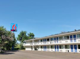 Motel 6-Bismarck, ND, hotel in Bismarck