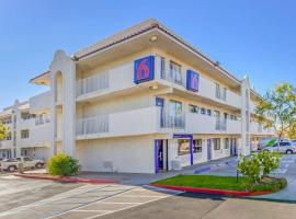 Motel 6-Phoenix, AZ - West, hotel in Phoenix