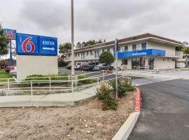 Motel 6-Salinas, CA - South - Monterey Area, hotel in Salinas