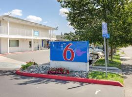 Motel 6-Tacoma, WA - South, hotel in Tacoma