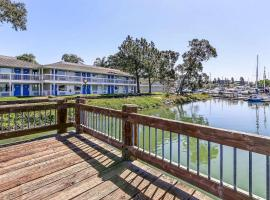 Motel 6-Oakland, CA - Embarcadero, hotel near Oakland International Airport - OAK, Oakland