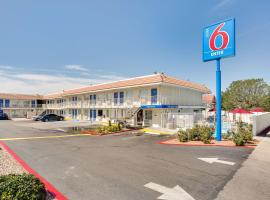 Motel 6-Albuquerque, NM - Carlisle, motel in Albuquerque