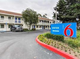 Motel 6-Salinas, CA - North Monterey Area, hotel in Salinas