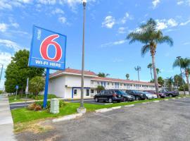 Motel 6-Costa Mesa, CA, hotel in Costa Mesa