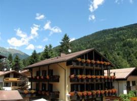 Hotel Binelli, golf hotel in Pinzolo