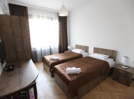 Hotel Home, hotel in Tbilisi