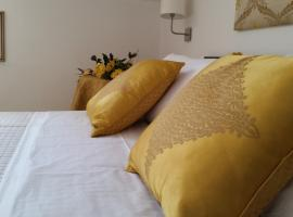 L'Insolita Reggia, budget hotel in Caserta