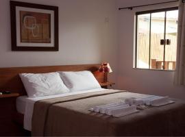 Pousada Encantos do Peró, hotel with pools in Cabo Frio