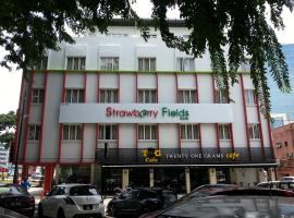 Hotel Strawberry Fields, hotel in Petaling Jaya