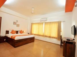 OYO 23239 10 Blossoms Service Apartments, hotel near Pune Junction Train Station, Yeraoda