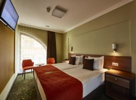 Budget Hotel Victoria, hotel near Hungarian Parliament Building, Budapest