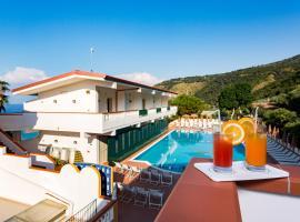 Hotel Santa Lucia, hotell i Parghelia