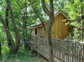 Les Cabanes des Benauges, cottage in Arbis