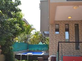 Mount Palace, hotel with pools in Lonavala