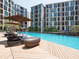 Favstay - The Base Uptown Phuket, hotel in Phuket