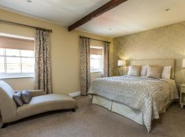 The Lake Isle Restaurant with rooms, hotel near Rockingham Castle, Uppingham