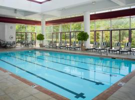 DoubleTree by Hilton Tulsa at Warren Place, hotel in Tulsa