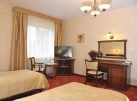 Hotel Arkadia Royal, hotel with jacuzzis in Warsaw