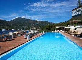 San Nicolas Resort Hotel, hôtel à Mikros Gialos