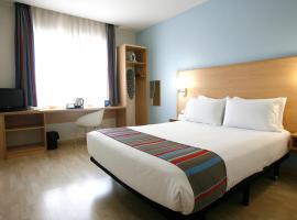 Travelodge Torrelaguna, pet-friendly hotel in Madrid