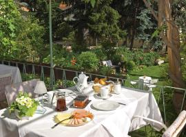Pension Mayrhofer, hotel in Bressanone