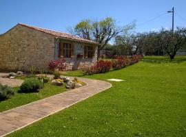 Holiday House Sweet Home, holiday home in Umag