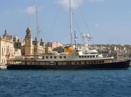 Seagull II Luxury Historic Static Charter, boat in Birgu